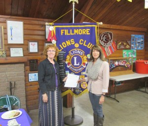Leslie Klinchuch from Chevron Corporation and Fillmore Lions Club president, Susan Fitzgerald.